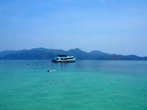 在海滩的渔船在酸值张泰国 图库摄影
