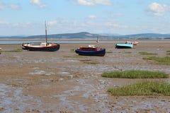 在海滩的渔船在Morecombe 图库摄影