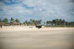 在海滩的渔船 免版税图库摄影