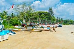 在海滩的渔船 免版税库存照片