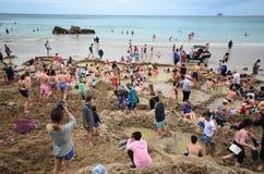 在海滩的温泉 免版税库存图片