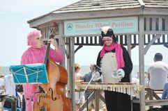 在海滩的热的音乐季节 免版税库存照片