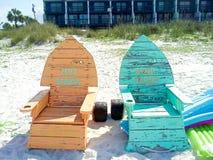在海滩的热的KOOL DADDY妈妈天 库存图片