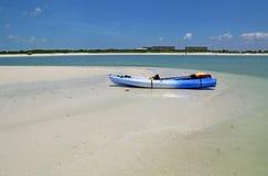 在海滩的皮船 库存照片