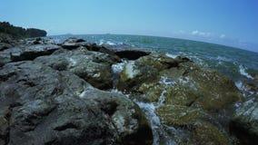 在海滩的石头 股票视频