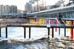 在海滩的码头斯海弗宁恩在海牙在荷兰 库存照片