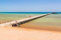 在海滩的码头红海在Hurghada 免版税库存图片