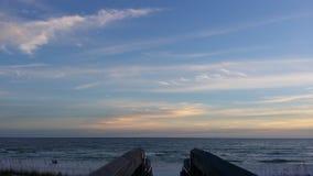 在海滩的码头 图库摄影
