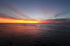 在海洋的红色日落 免版税图库摄影