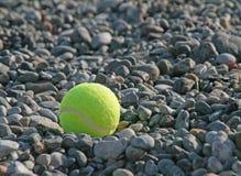 在海滩的网球 免版税图库摄影
