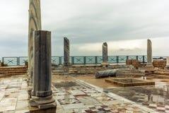 在海滨的罗马别墅在凯瑟里雅- 1 库存照片