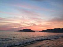 在海滩的美好的晚上 图库摄影