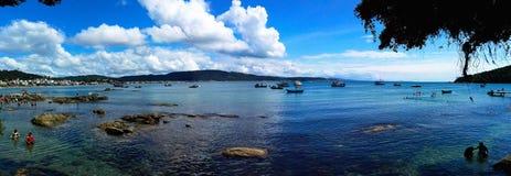 在海滩的脚印大西洋 免版税库存照片