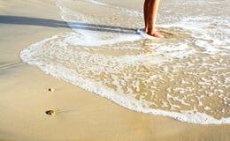 在海滩的英尺 免版税库存图片