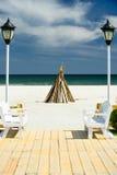 在海滩的营火 免版税库存图片