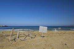 在海滩的被保护的海龟巢 库存照片