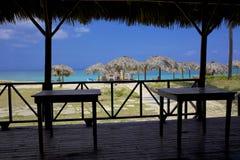 在海滩的酒吧,古巴。 图库摄影
