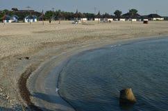 在海滩的野营的小屋 免版税库存照片