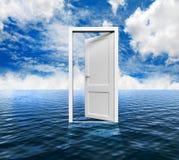 在海洋的门 免版税库存图片