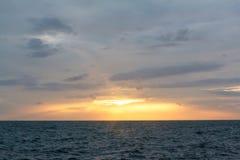 在海洋的阳光 免版税库存图片