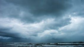 在海洋的风暴 库存照片