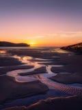 在海滩的水坑Plentzia 免版税库存图片
