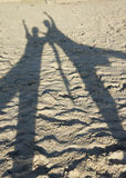 在海滩的阴影 免版税库存图片