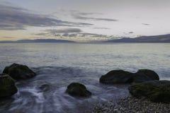 在海滩的黎明,力耶卡,克罗地亚 免版税库存照片