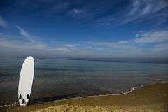 在海滩的水橇板 库存照片