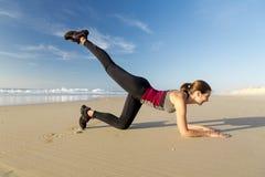 在海滩的锻炼 库存照片