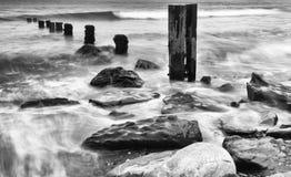在海滩的破碎机 库存图片