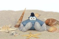 在海滩的滑稽的螃蟹 免版税图库摄影
