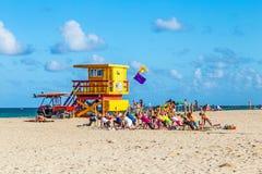 在海滩的Baywatch驻地在南海滩迈阿密佛罗里达 免版税库存照片