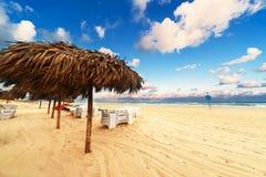 在日出的海滩 免版税库存图片