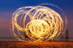 在海滩的Fireshow 免版税图库摄影