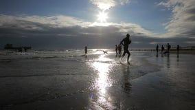 在海滩的Ironman游泳在1080p 影视素材