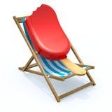 在海滩睡椅休息的冰棍 免版税库存图片