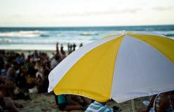 在海滩节日的伞 免版税库存照片