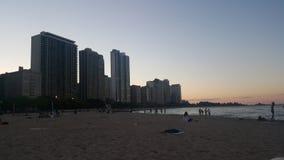 在海滩街市芝加哥的天 免版税库存图片