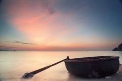 在海滩越南的黎明 免版税库存图片