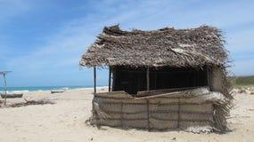 在海滨附近的一个小屋 库存图片