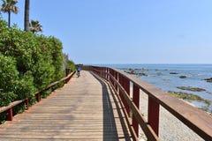 在海滩附近的路 图库摄影