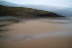 在海滩风景的故意行动迷离艺术性的作用过滤器 库存照片