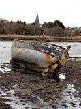在海滩,斯莱戈,爱尔兰的海难 免版税库存照片