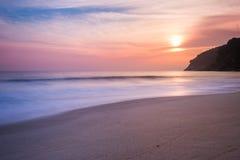 在海滩,巴西的日出 免版税库存照片