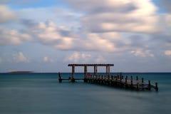 在海滨del卡门的码头 免版税库存照片