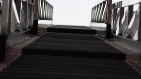 在消防车的可撤回的梯子 股票视频