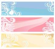 在淡色的横幅与花卉元素和漩涡 免版税库存图片