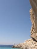 在深蓝色的大岩石 图库摄影