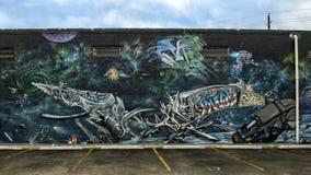 在深Ellum,达拉斯,得克萨斯围住艺术壁画 库存照片